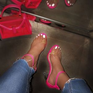 NEW🔥Hot Pink Ankle Strap Lucite Clear Heel Sandal